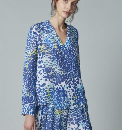 120% Lino Open Front Necked Shirt in Blue Leopard