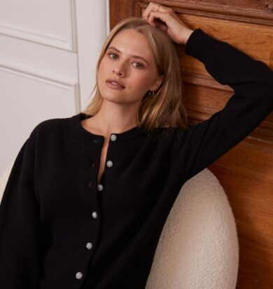 Idano Orriane Cropped Wool Cardigan in Black