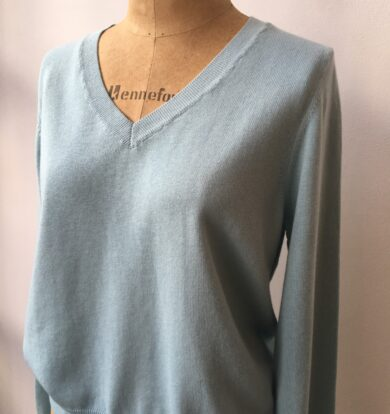 Cash CA Easy Simple V Neck in Brighton Blue Cotton / Cashmere
