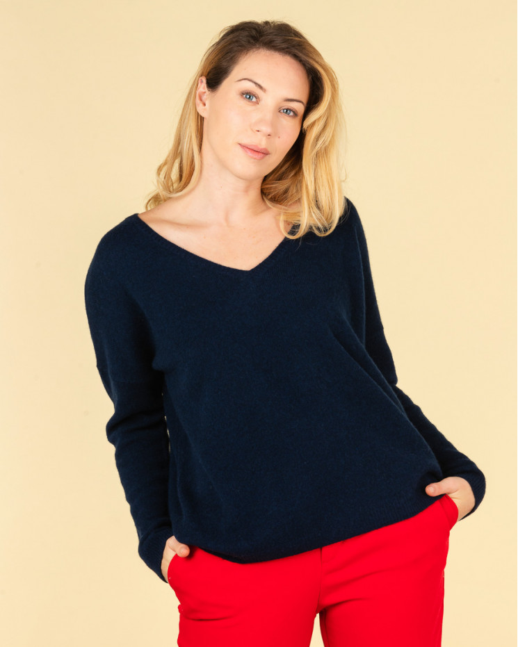 Absolut Cashmere Mercedes Jumper in Navy Blue – SOLD OUT